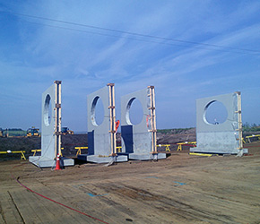 Oil sands Hydrotite in headwall construction
